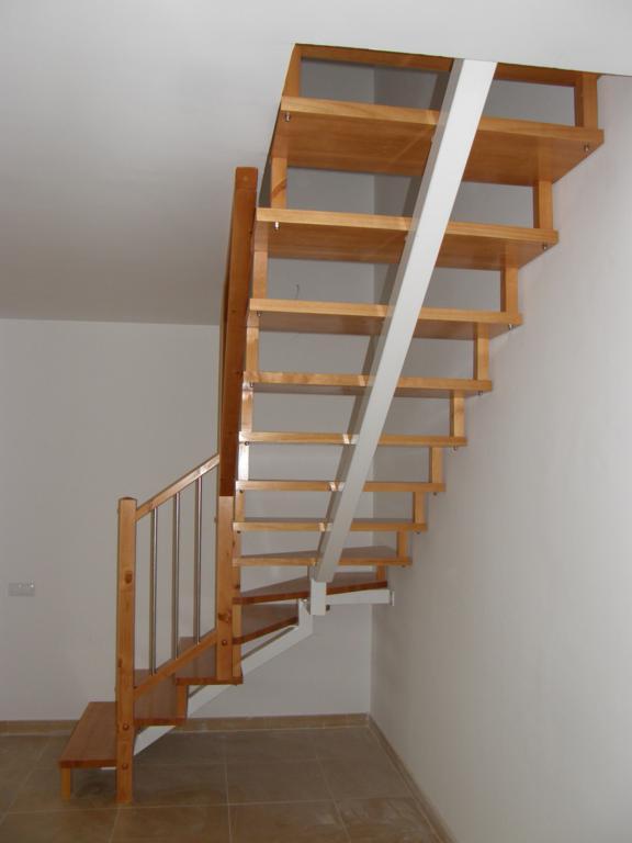 Demadera pavimentos y reformas en madera - Peldanos para escaleras ...