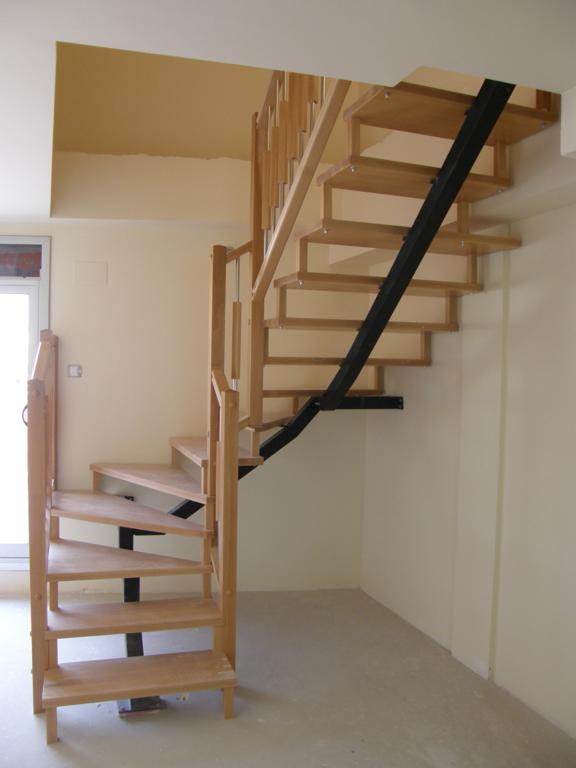 Demadera pavimentos y reformas en madera - Modelos de escaleras de madera ...