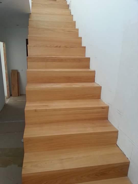 Demadera pavimentos y reformas en madera - Peldanos de madera para escalera ...