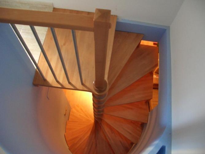 Demadera pavimentos y reformas en madera - Escaleras de trabajo ...
